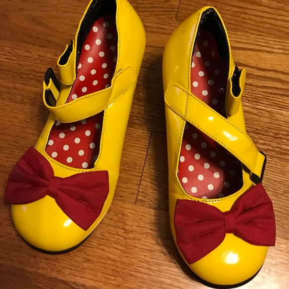 Disney Shoes   Minnie Mouse Yellow
